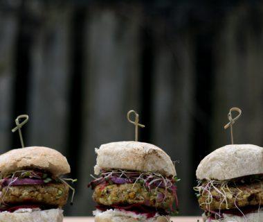 kikkererwten courgette burger