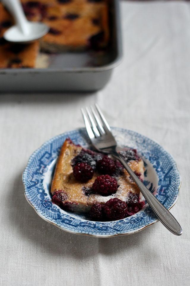 Recept glutenvrije clafoutis met bramen, amandelmeel en vanille