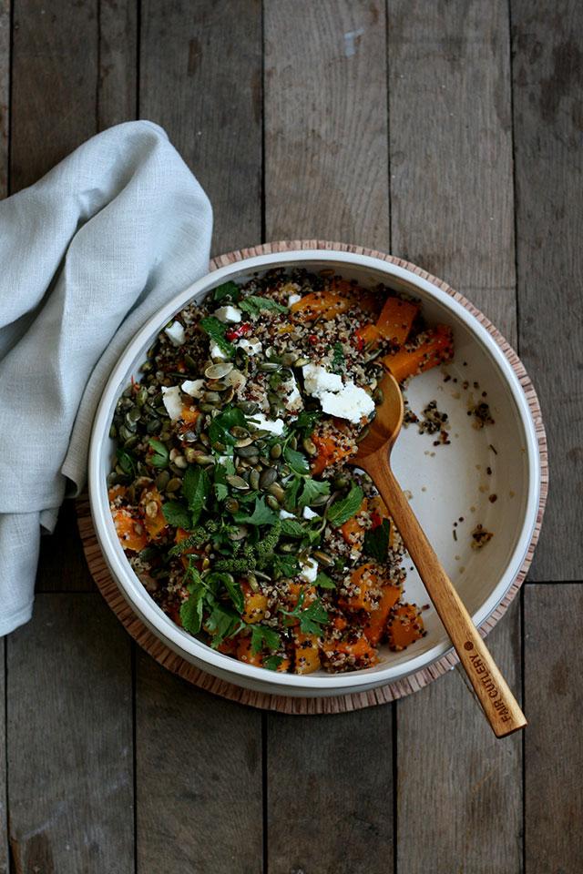 Quinoasalade met pompoen, feta, gember & koriander