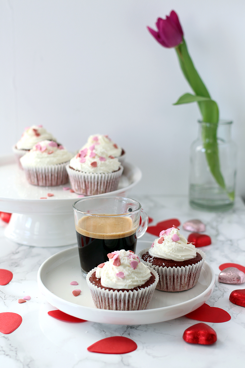 Recept voor Valentijnsdag: red velvet cupcakes met roomkaasfrosting
