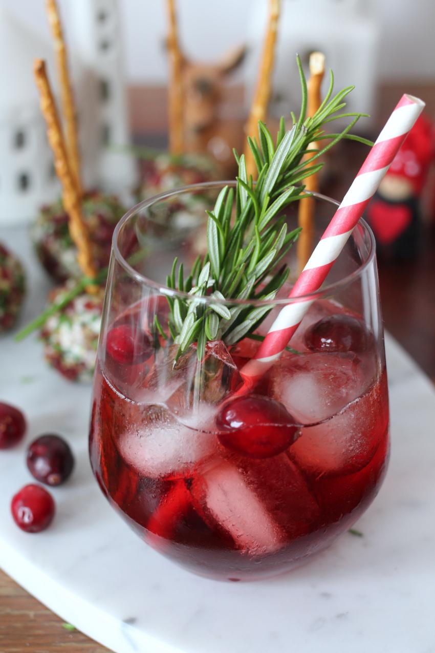 Kerstmis cocktail: maple cranberry Bourbon cocktail