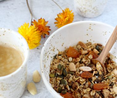Granola met abrikozen en gember