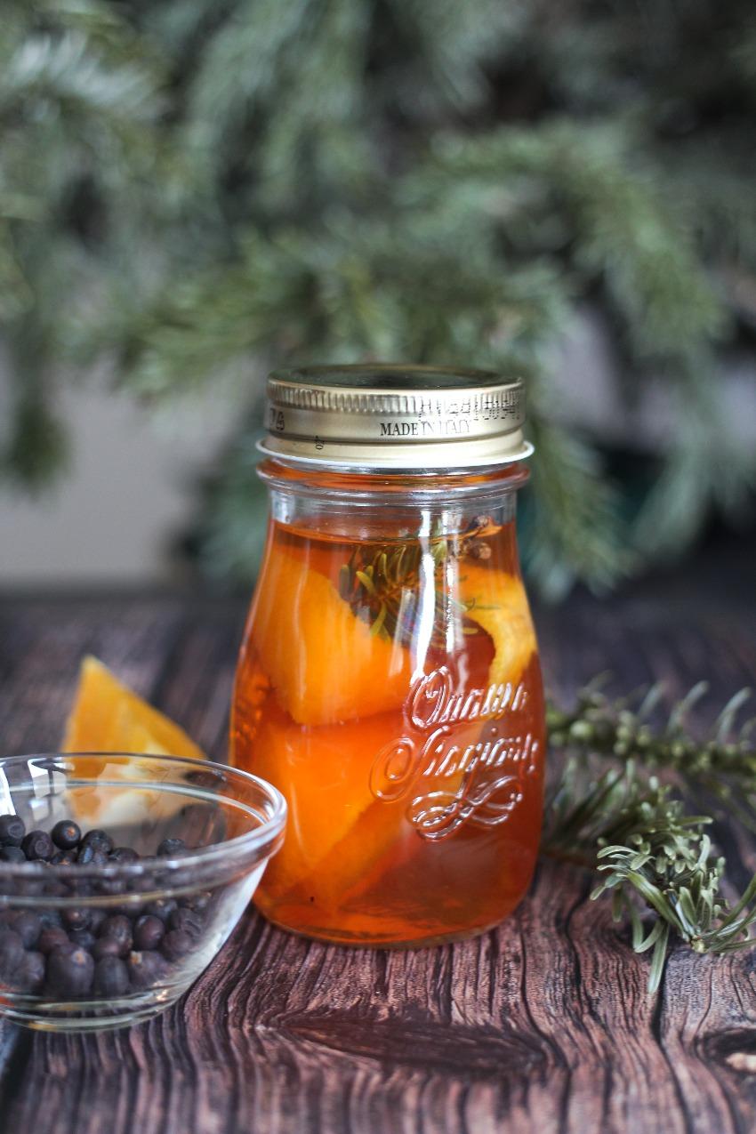 Eet je Kerstboom op: dennennaalden appelazijn