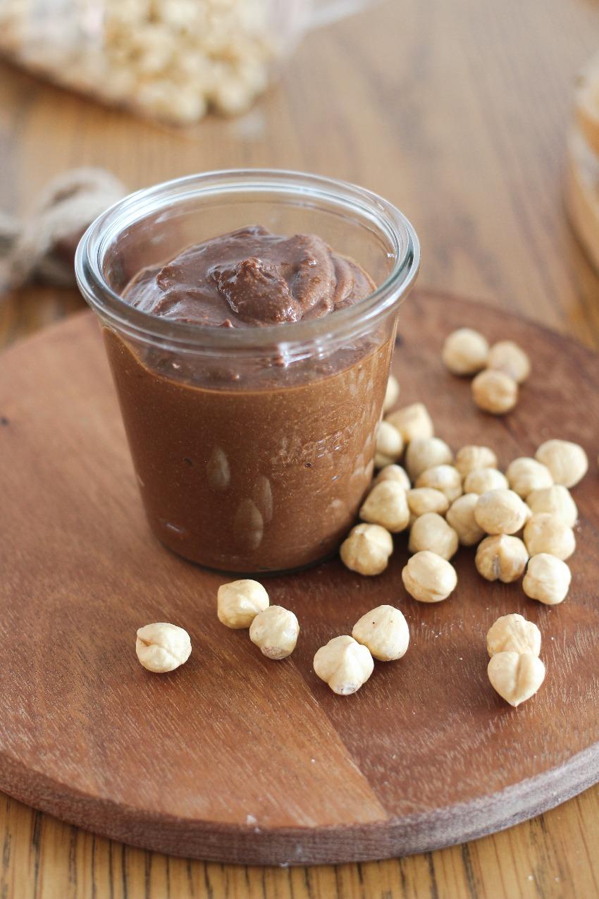 Chocolade hazelnootpasta zelf maken (suikervrij)