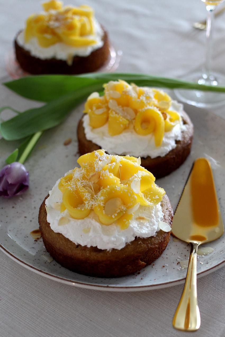 Glutenvrije ontbijttaartjes met mango voor Moederdag